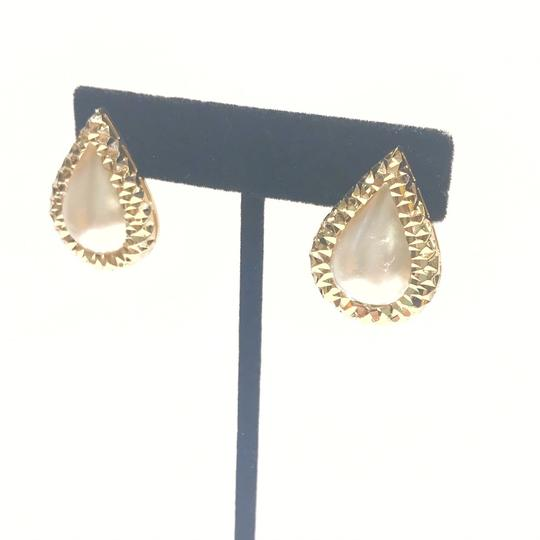 Other BEAUTIFUL VINTAGE!! 14 Karat Yellow Gold and Mabe Pear Shaped Pearl Earrings Image 2