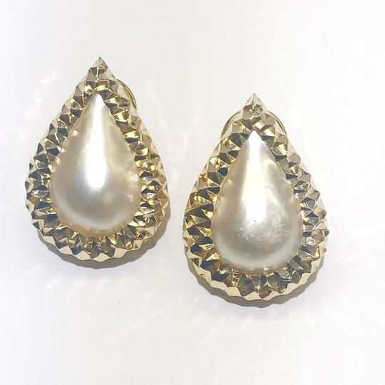 Other BEAUTIFUL VINTAGE!! 14 Karat Yellow Gold and Mabe Pear Shaped Pearl Earrings Image 3