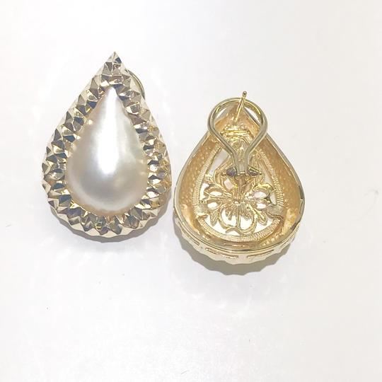 Other BEAUTIFUL VINTAGE!! 14 Karat Yellow Gold and Mabe Pear Shaped Pearl Earrings Image 4