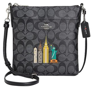 b07d79a7d Coach Bags and Purses on Sale - Up to 70% off at Tradesy