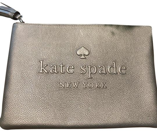 Preload https://img-static.tradesy.com/item/25561573/kate-spade-larchmont-ave-gia-logo-silver-leather-clutch-0-1-540-540.jpg