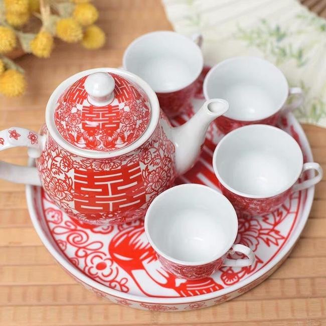 Item - Red and White Chinese Tea Ceremony Set Fine China