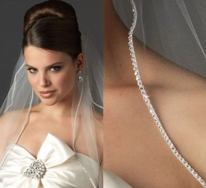 Short Rhinestone Edge White Ivory Tulle 1 Layer (Attached Comb) Bridal Veil