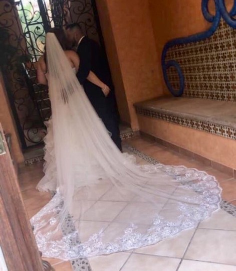 Long White Or Ivory 4m/13 Ft Cathedral with Comb Bridal Veil Image 3
