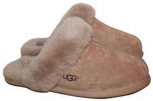 dc4418fb3 Ugg Boots on Sale - Up to 80% off at Tradesy