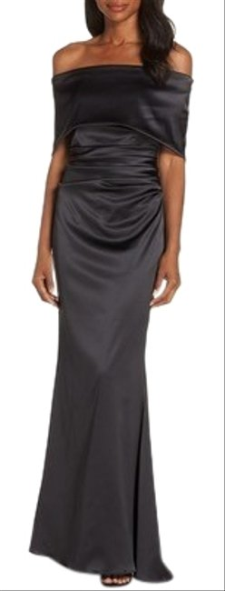 Item - Black Off The Shoulder Satin Long Formal Dress Size 10 (M)
