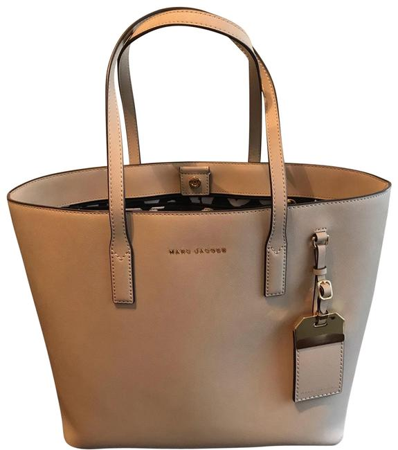 Item - Taupe Leather Tote