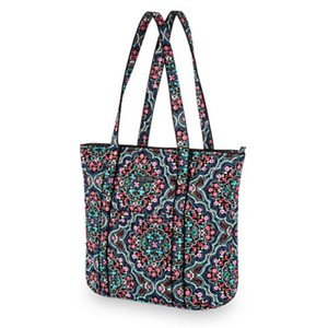 83e41c7fd55 Vera Bradley Totes - Up to 70% off at Tradesy