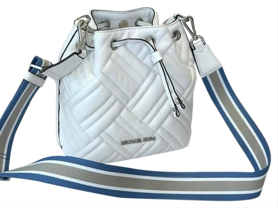9718bcdffdc73 Michael Kors Bucket Peyton Quilted White Leather Cross Body Bag ...