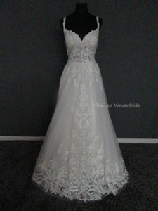 Essense of Australia Ivory/Nude/Porcelain Lace D2230 Feminine Wedding Dress Size 14 (L)