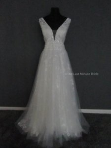 Allure Bridals Ivory/Nude/Silver Lace 9561 Feminine Wedding Dress Size 18 (XL, Plus 0x)