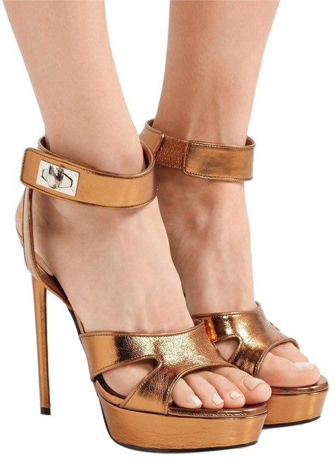 Givenchy Gold Metallic Shark Lock Cutout Leather Ankle Strap Sandals Platforms Size EU 39 (Approx. US 9) Regular (M, B) Givenchy Gold Metallic Shark Lock Cutout Leather Ankle Strap Sandals Platforms Size EU 39 (Approx. US 9) Regular (M, B) Image 1
