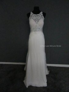 Essense of Australia Ivory/Porcelain Lace D2342 Feminine Wedding Dress Size 14 (L)