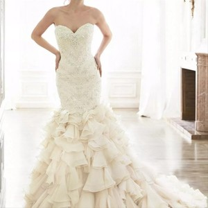 Maggie Sottero Ivory Organza and Serencia Modern Wedding Dress Size 14 (L)