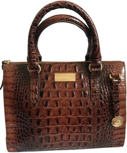 e65490cd08 Brahmin on Sale - Up to 80% off at Tradesy