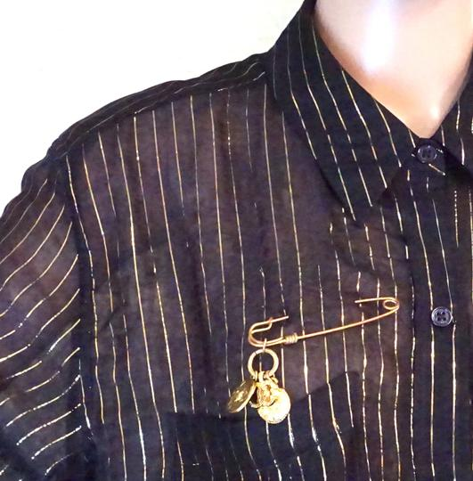Chanel RARE CC Hammered Charms Gold Pin Brooch Image 1