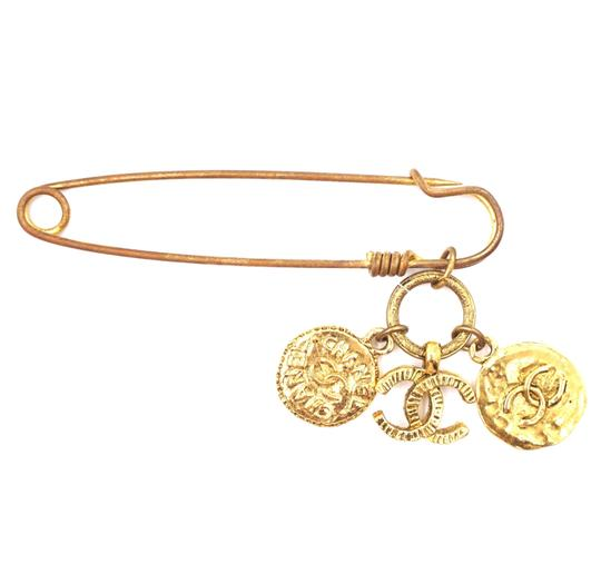 Chanel RARE CC Hammered Charms Gold Pin Brooch Image 3