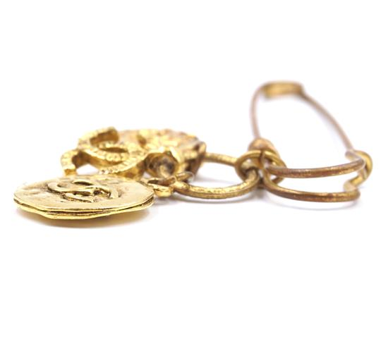 Chanel RARE CC Hammered Charms Gold Pin Brooch Image 5