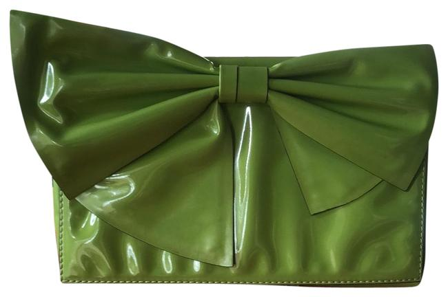 Item - Iconic Bow Lime Green Patent Leather Clutch