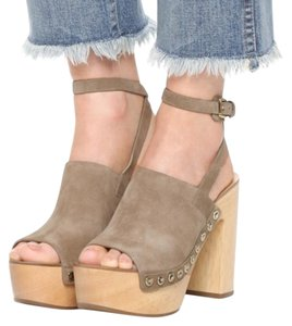Sigerson Morrison Heels Chunky Studded Summer Tan Mules