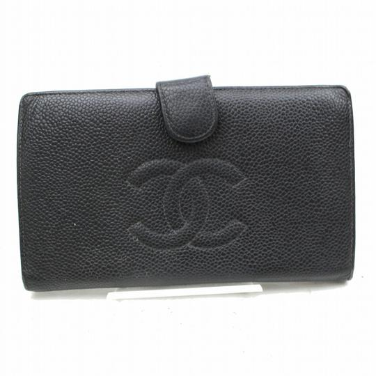 Preload https://img-static.tradesy.com/item/25569878/chanel-black-cc-caviar-skin-long-bifold-wallet-0-0-540-540.jpg