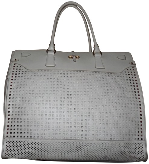 Preload https://img-static.tradesy.com/item/25569880/salvatore-ferragamo-perforated-large-briana-white-leather-tote-0-1-540-540.jpg