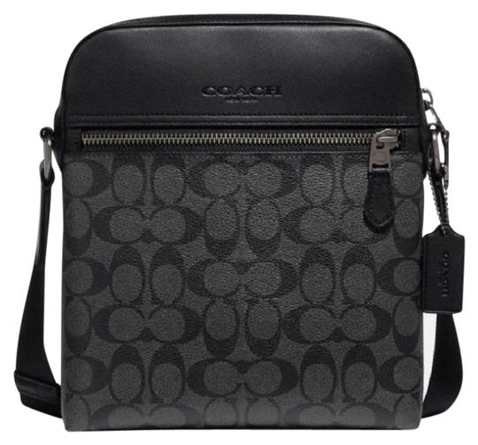 Preload https://img-static.tradesy.com/item/25569896/coach-houston-flight-in-signature-canvas-f73336-black-leather-messenger-bag-0-1-540-540.jpg