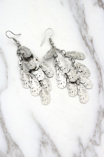 Ocean Fashion silver Long small feather earrings Image 2