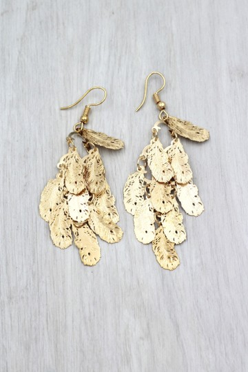 Ocean Fashion Gold long small feather earrings Image 3