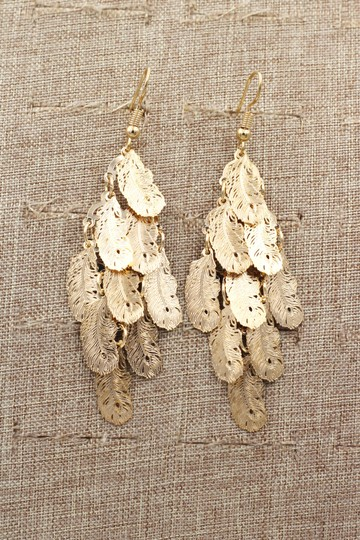 Ocean Fashion Gold long small feather earrings Image 4
