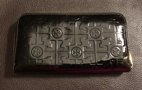 Tory Burch Embossed Lux Patent Leather Continental Wallet Image 2