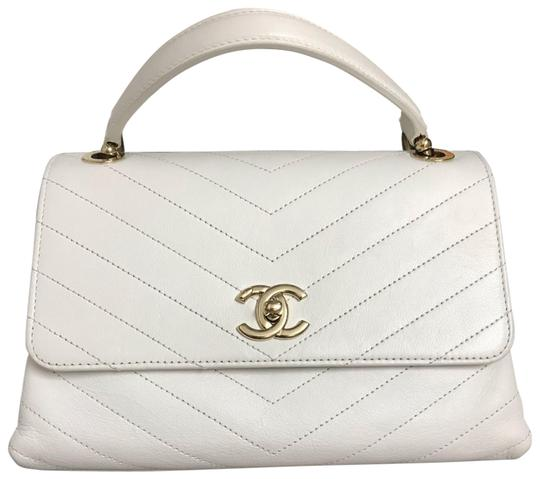 Preload https://img-static.tradesy.com/item/25570587/chanel-with-classic-flap-calfskinelaphe-chevron-chic-small-top-handle-off-white-calfskin-leather-sho-0-1-540-540.jpg
