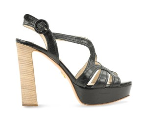 f695315f7 Prada Shoes - Up to 70% off at Tradesy
