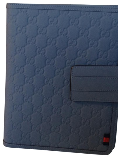 Preload https://img-static.tradesy.com/item/25571532/gucci-blue-embossed-gg-leather-ipad-case-tech-accessory-0-1-540-540.jpg