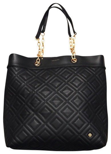 Preload https://img-static.tradesy.com/item/25571774/tory-burch-quilted-black-hobo-bag-0-1-540-540.jpg