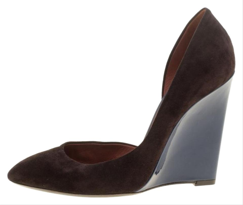 762f2b72f9f0d Bottega Veneta Brown Two Tone Suede and Patent Leather Cut Out Wedge Pumps
