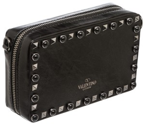 5b4754d861 Valentino Bags on Sale - Up to 70% off at Tradesy