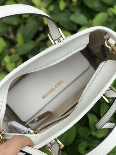 Michael Kors Tote in White Image 3