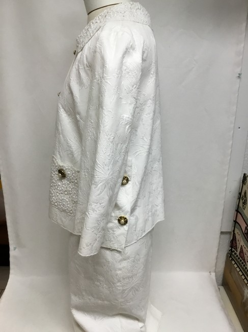 Dolce&Gabbana White jacquard skirt suit with white lace detail Image 5