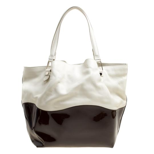 Tod's Satin Leather Patent Leather Tote in White Image 1
