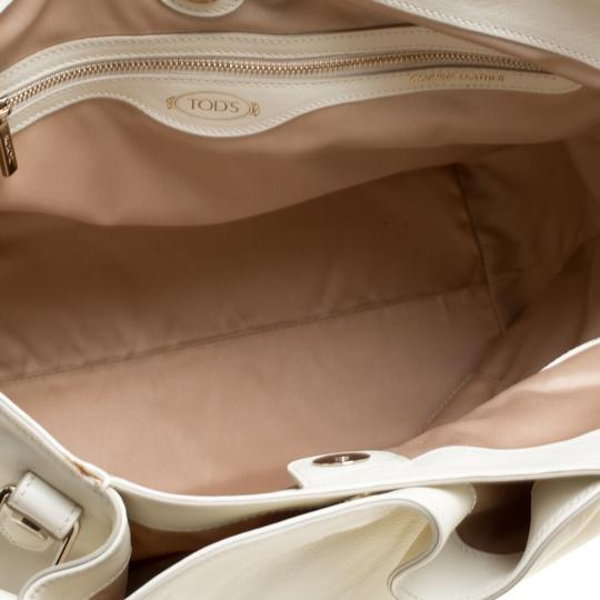 Tod's Satin Leather Patent Leather Tote in White Image 6
