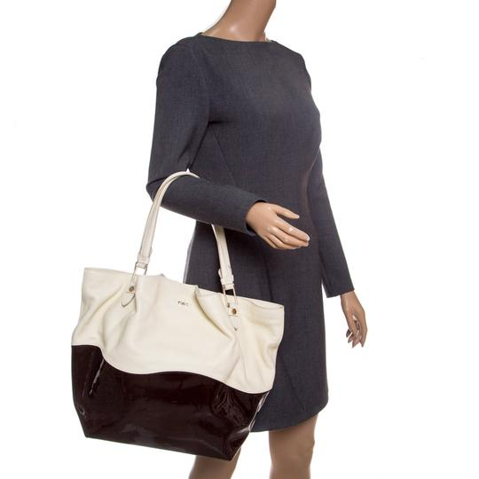 Tod's Satin Leather Patent Leather Tote in White Image 2