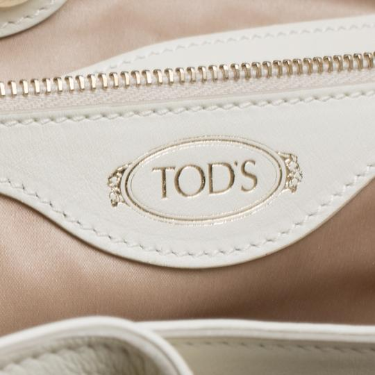 Tod's Satin Leather Patent Leather Tote in White Image 9