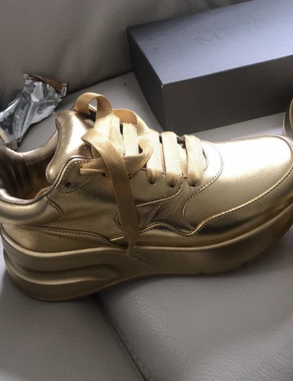 Alexander McQueen metal lamb/color sole. Gold Gold Athletic Image 3
