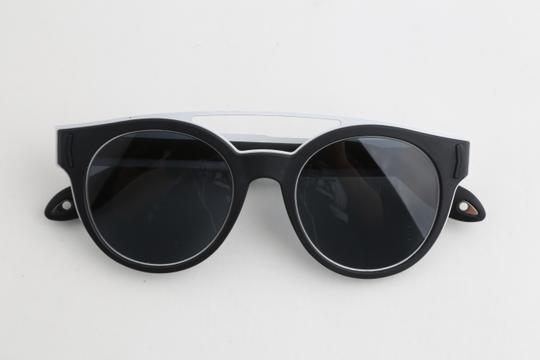 Givenchy Givenchy GV7017/N/S Two-Toned Sunglasses Image 8