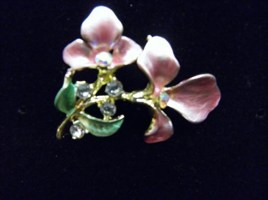 Other Lovely pink Flower Brooch Image 3