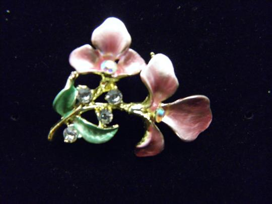 Other Lovely pink Flower Brooch Image 4