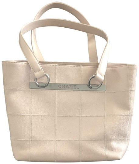 Preload https://img-static.tradesy.com/item/25577294/chanel-shopping-caviar-square-stitched-pale-pink-leather-tote-0-1-540-540.jpg