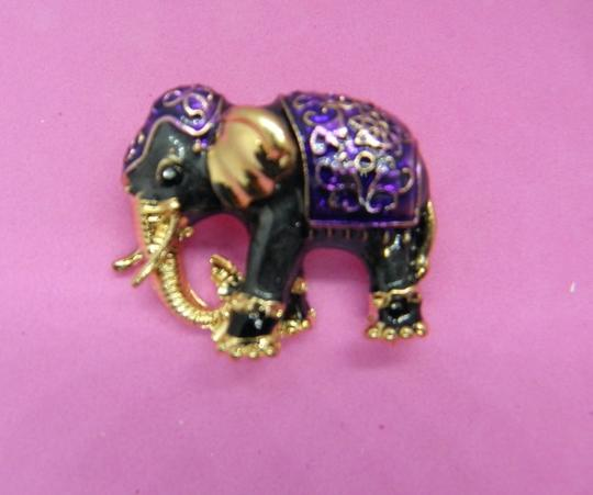 Other Adorable Elephant Brooch/Pin Image 2