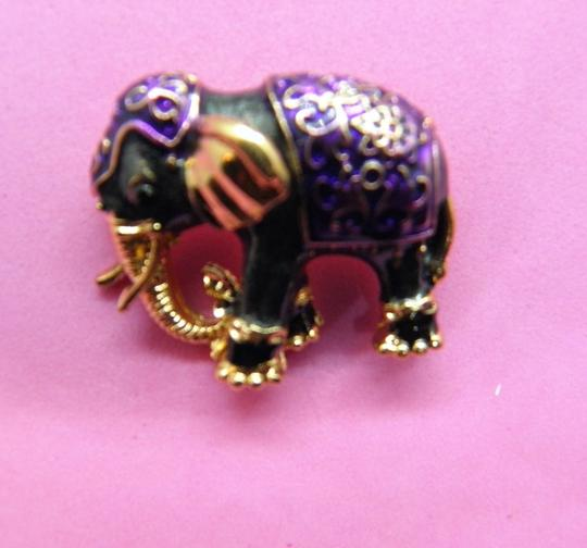 Other Adorable Elephant Brooch/Pin Image 4